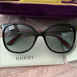 GUCCI 56mm Oversize Square Sunglasses